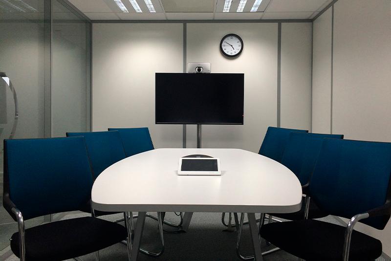 Salas de reuniones por horas en Madrid, la posibilidad de reunirte fuera de tu ciudad