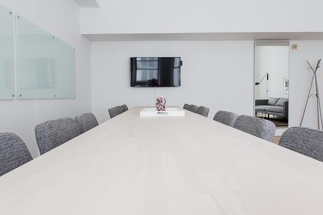 ¿Existen centros de negocios que alquilen salas de reuniones por horas sin tener otro servicio vinculado?