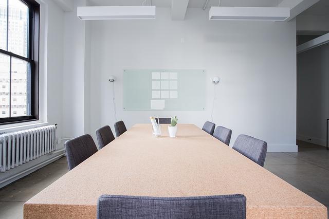 La utilidad de alquilar una sala de reuniones