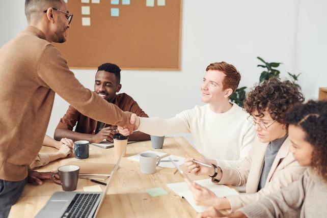 Características y ventajas de los centros de negocios